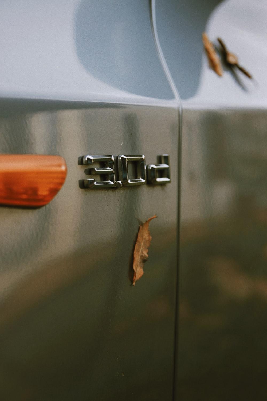 chrome-colored 30D vehicle emble