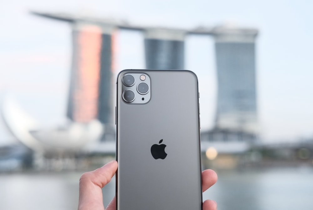 Iphone 11 Pro Max Pictures Download Free Images On Unsplash