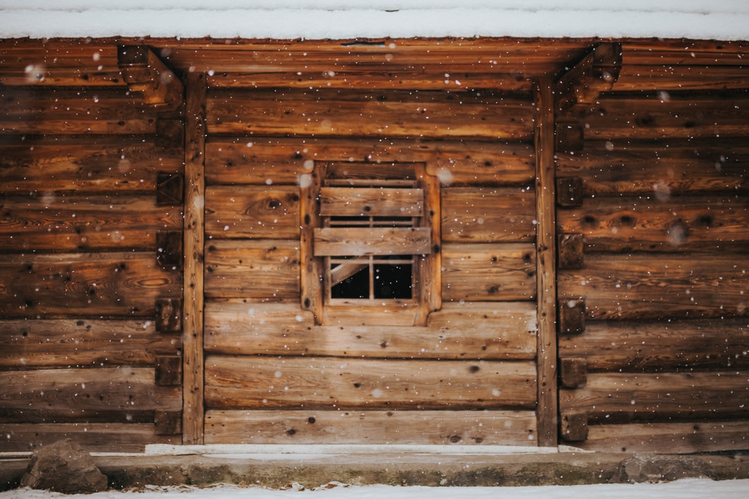 brown wooden house during winter <b>season</b> photo – Free Building ...