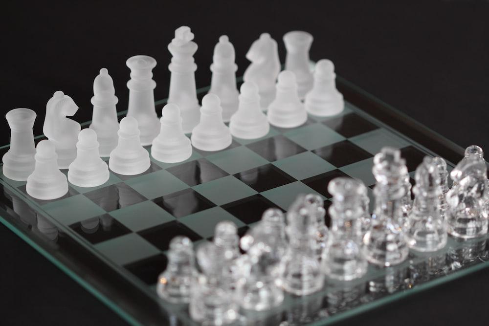 clear glass acrylic chess set