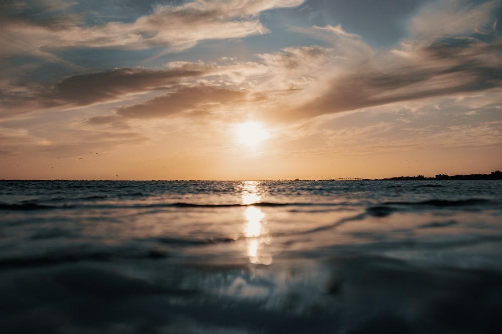 sunser seashore