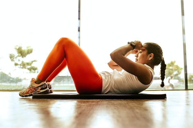 workout di rumah - tips mengatasi cemas saat pandemi