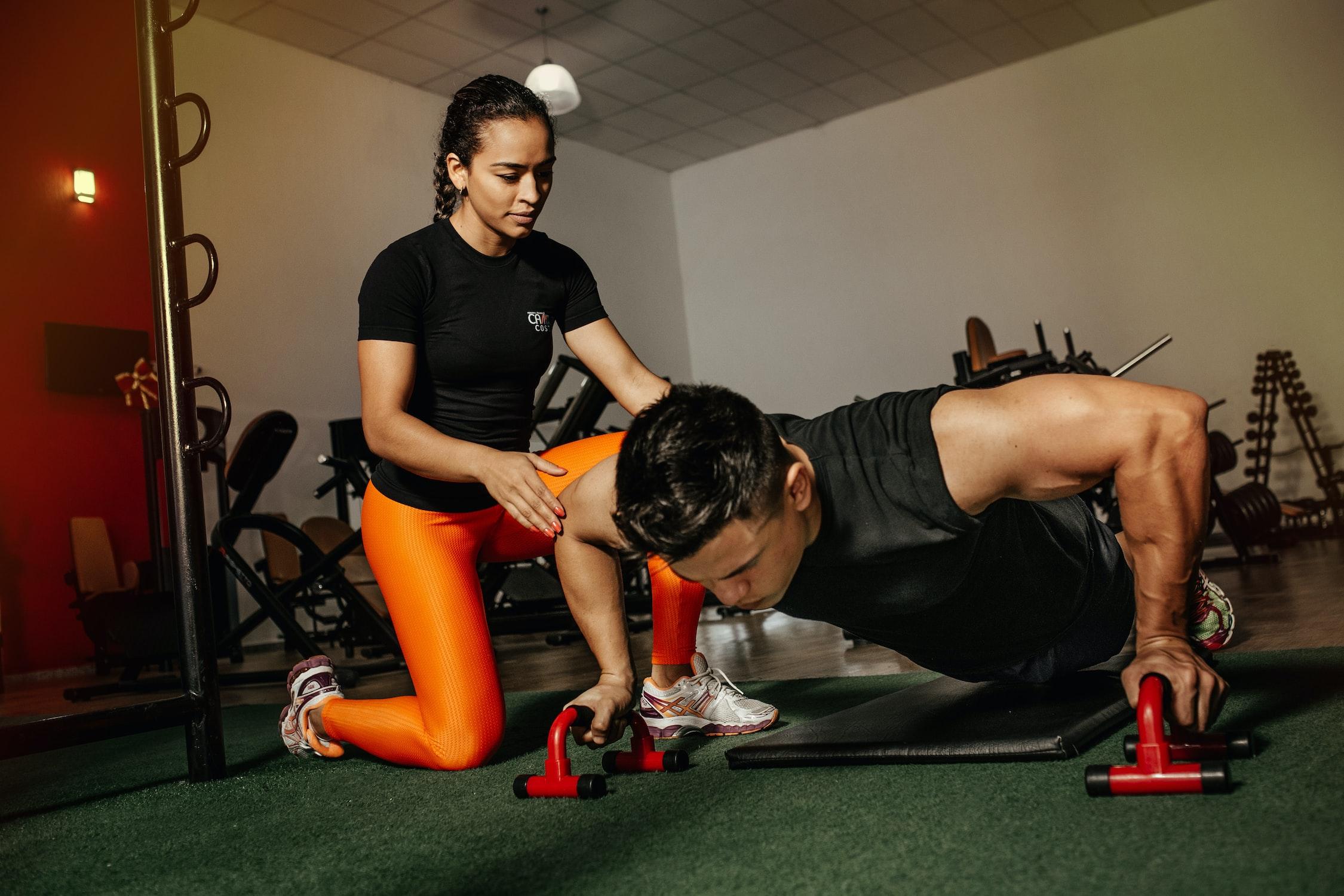 Håndtag til at lave armbøjninger, armstrækninger og pushups