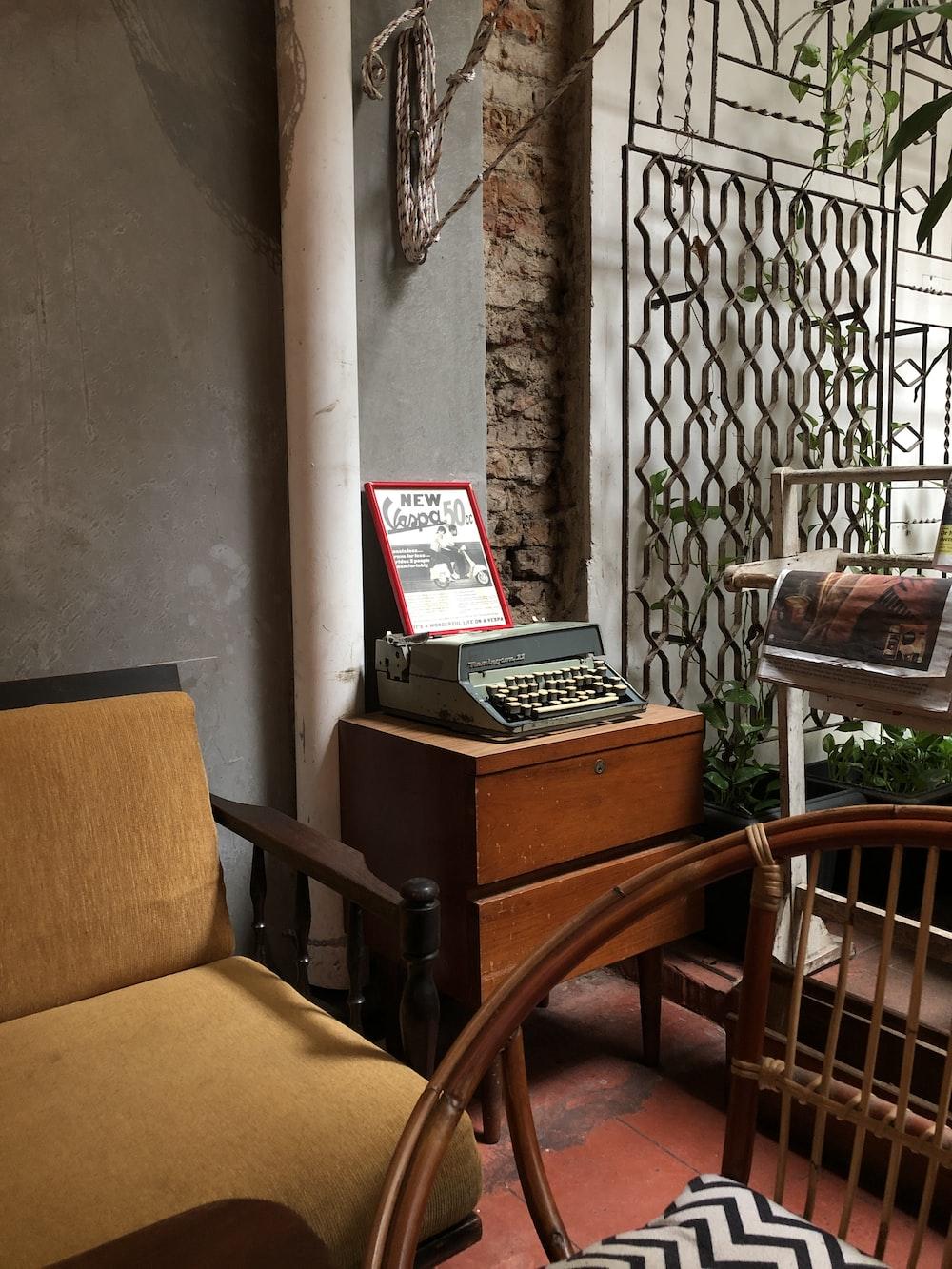 gray typewriter on table