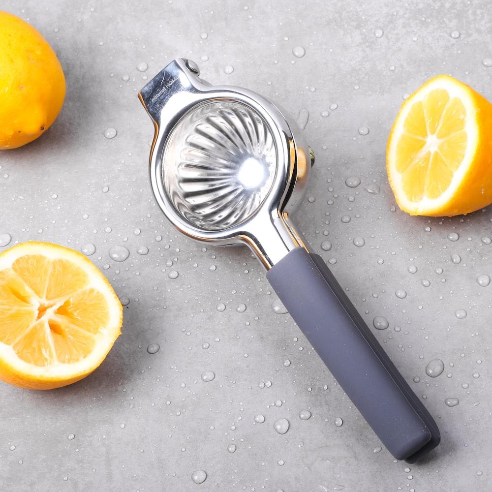 gray fruit juicer