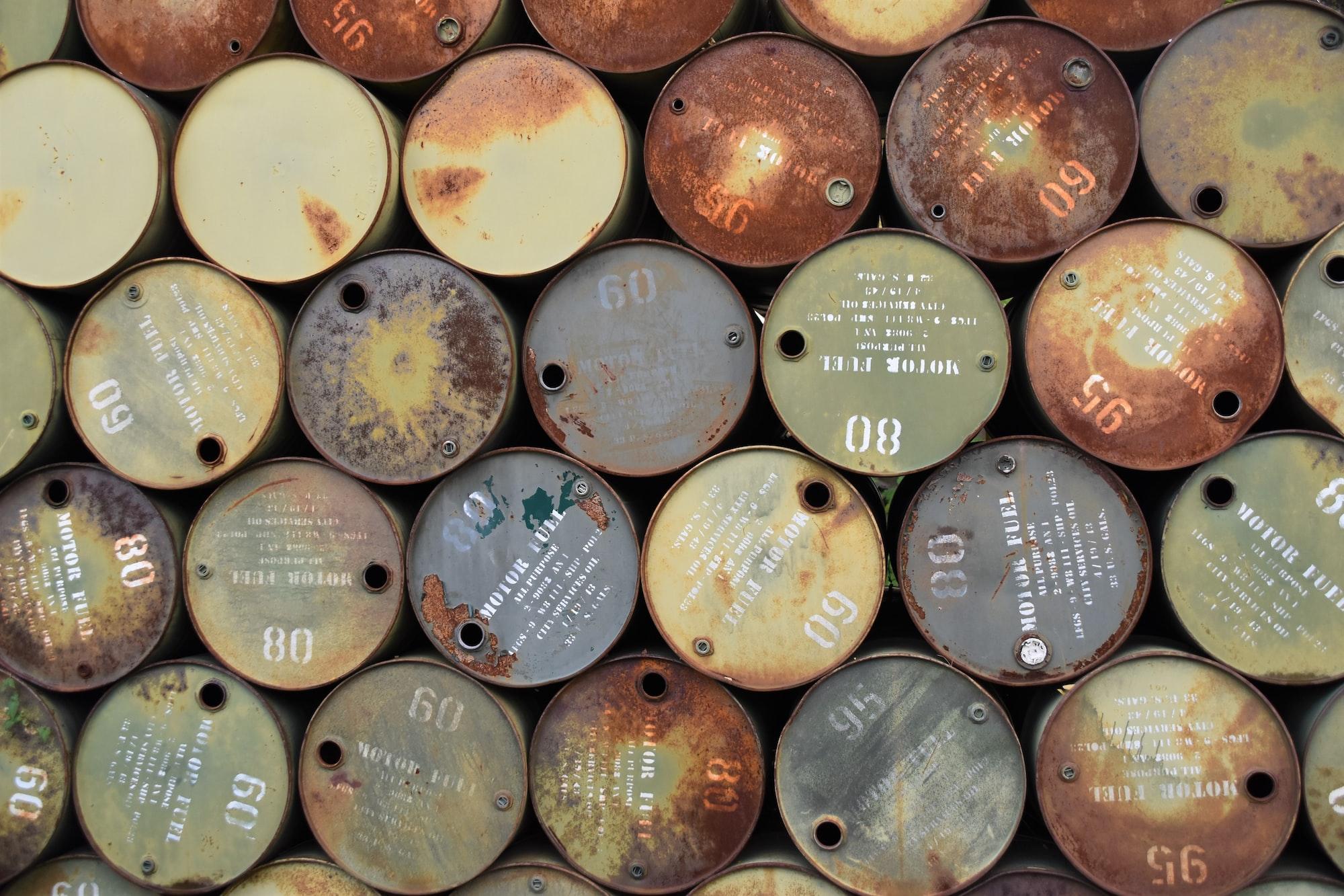 Koronavirová krize zasáhla i trh s ropou, OPEC sníží produkci