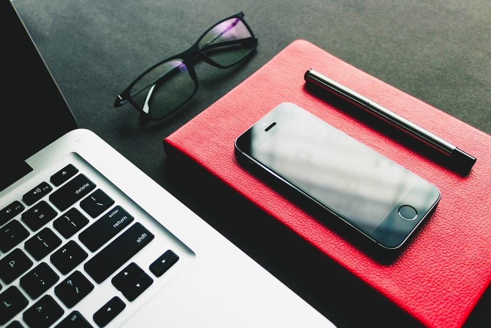 blak iPhone 7