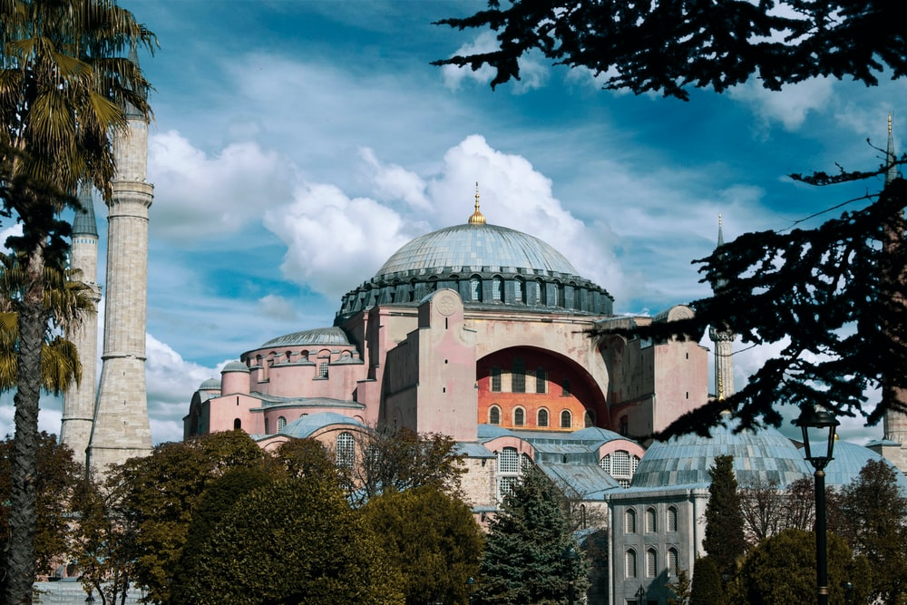 gray and blue dome mosque during daytime