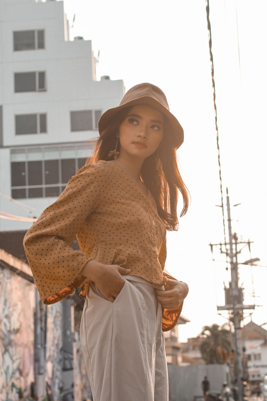 women's brown long-sleeved dress