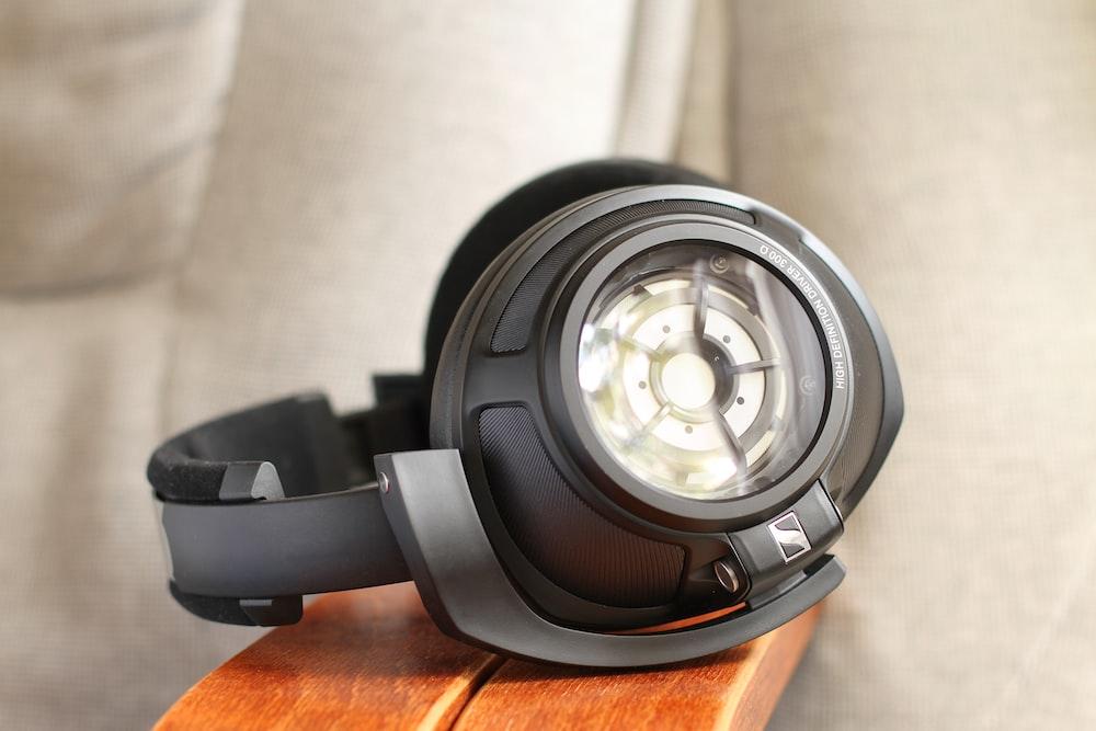 black and gray Sennheiser cordless headphones