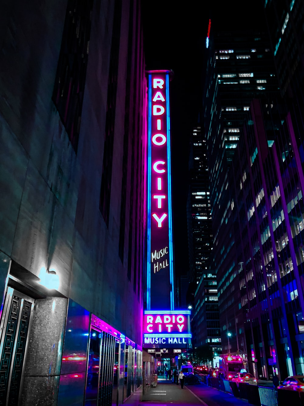 500 Neon City Pictures Download Free Images On Unsplash