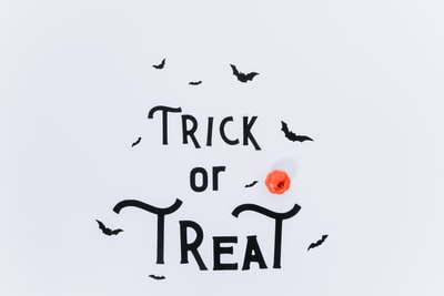 Trick of Treat sign