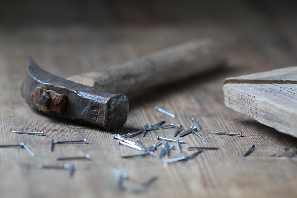 claw hammer and nails