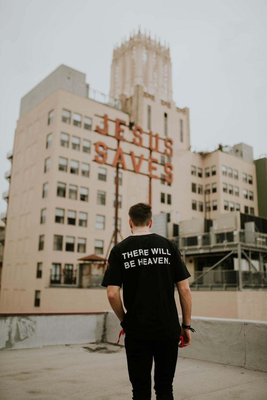 men's black crew-neck t-shirt