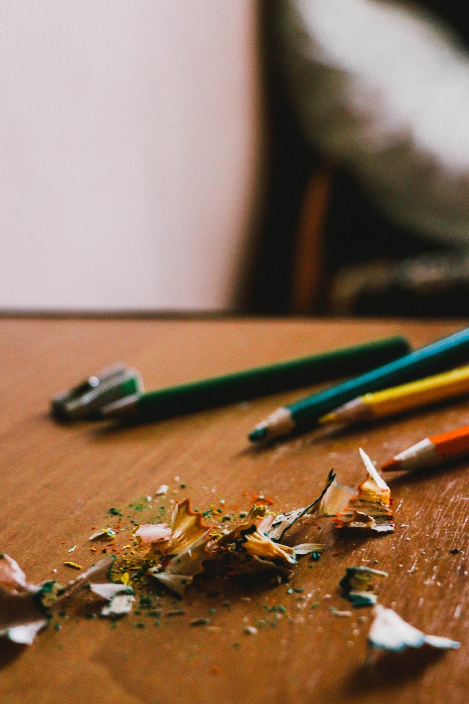 shallow focus photo of pencils