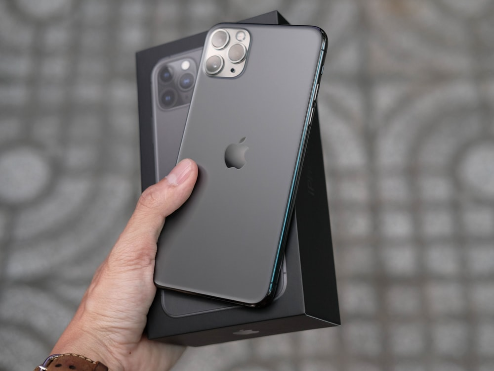 Iphone 11 Pro Pictures Download Free Images On Unsplash