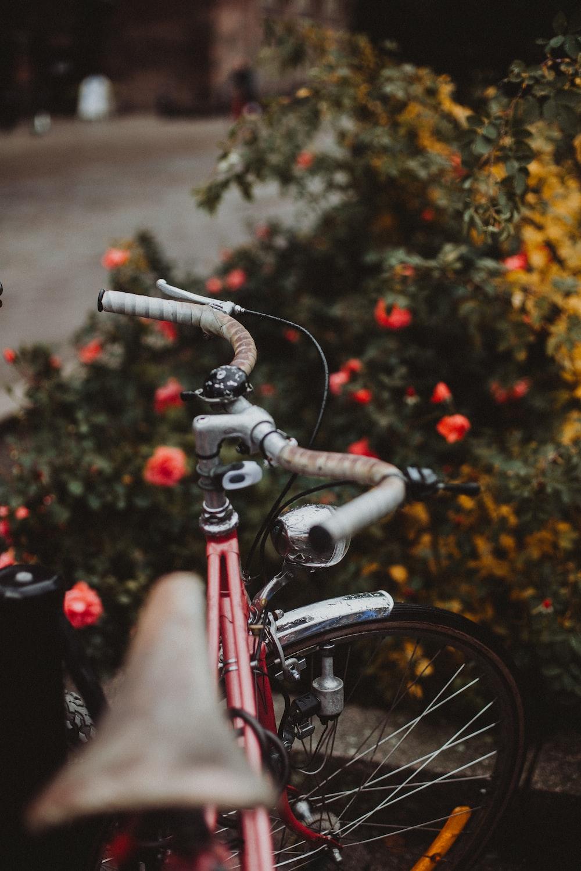 red cruiser bike