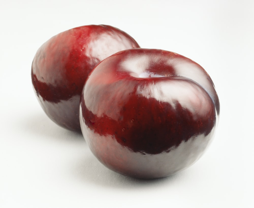 two red apple fruits