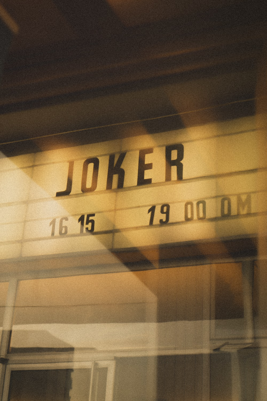 Joker 16 15 19 00 0M sign