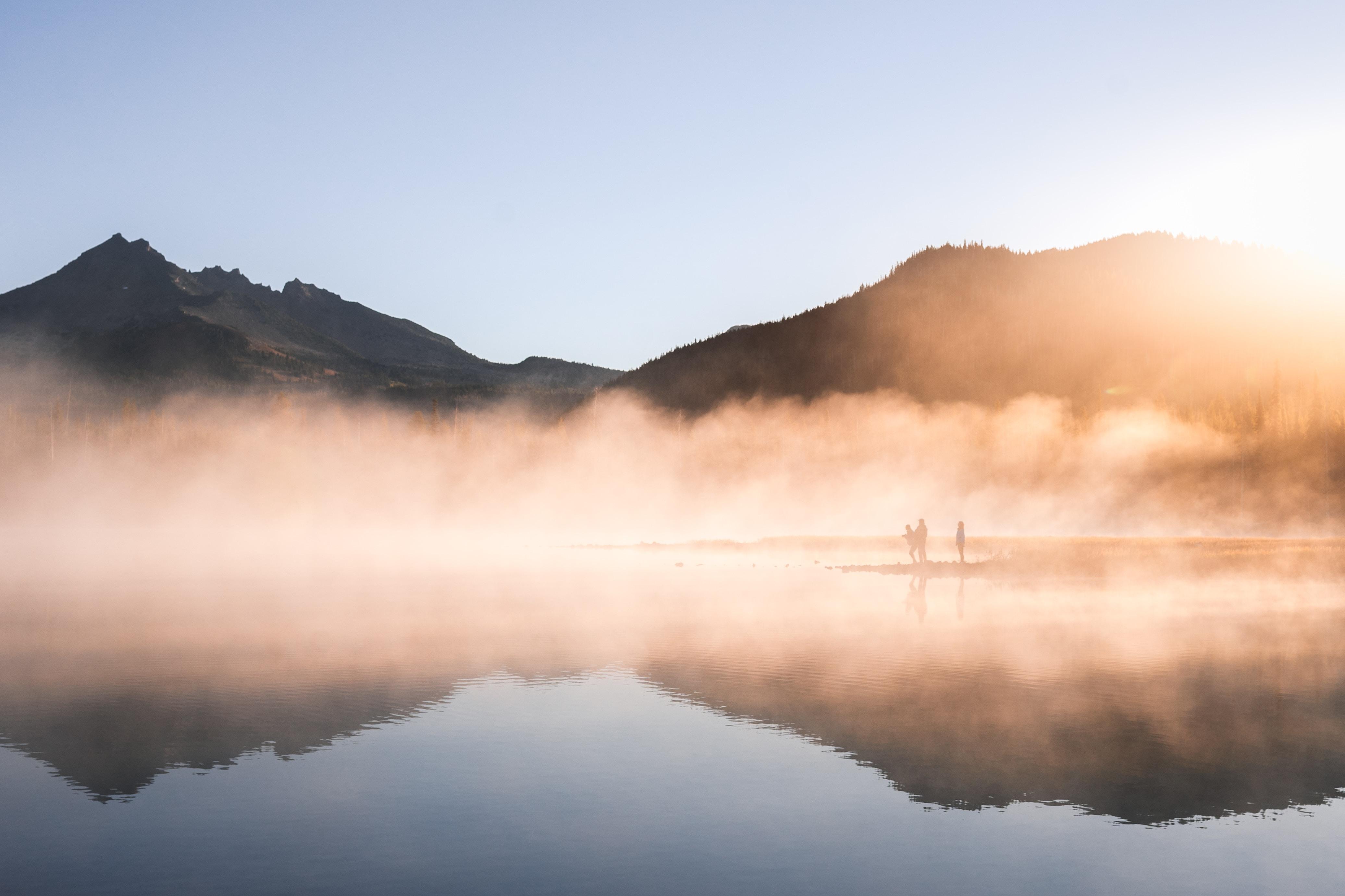 Sparks Lake sunrise in Oregon.