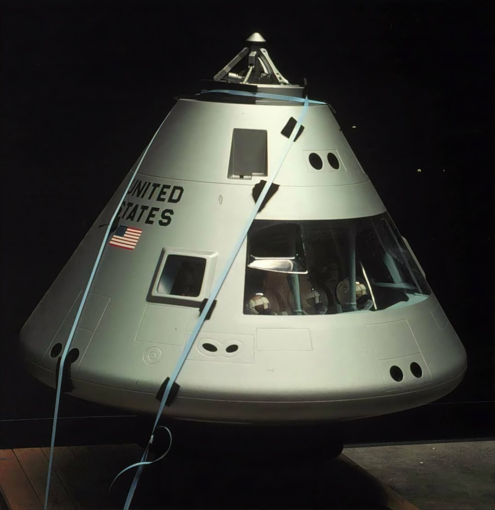 gray United States capsule