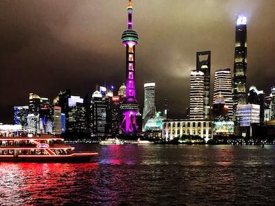Cina: assalto dei turisti alle Montagne Gialle