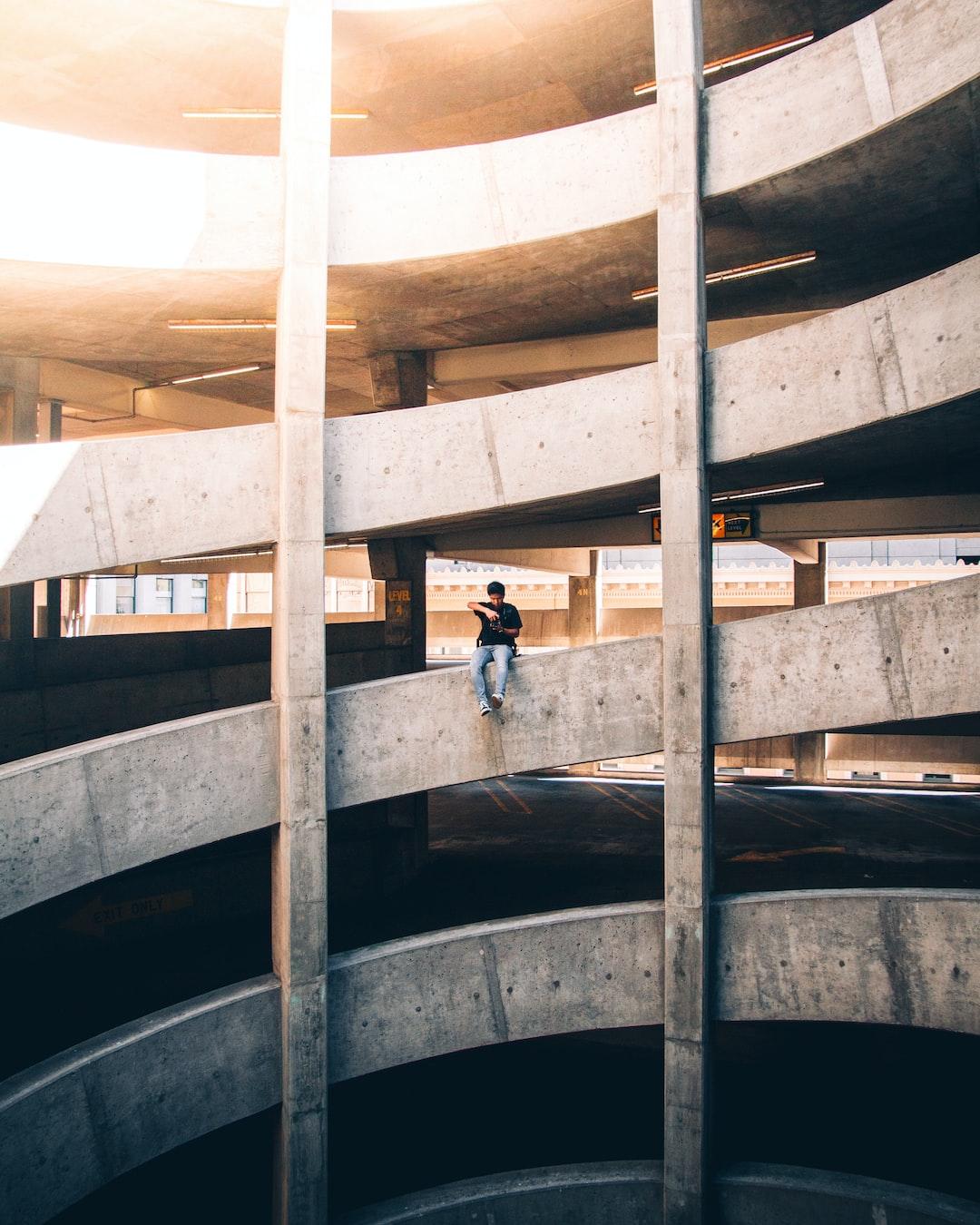 On the Edge. www.instagram.com/selmshots