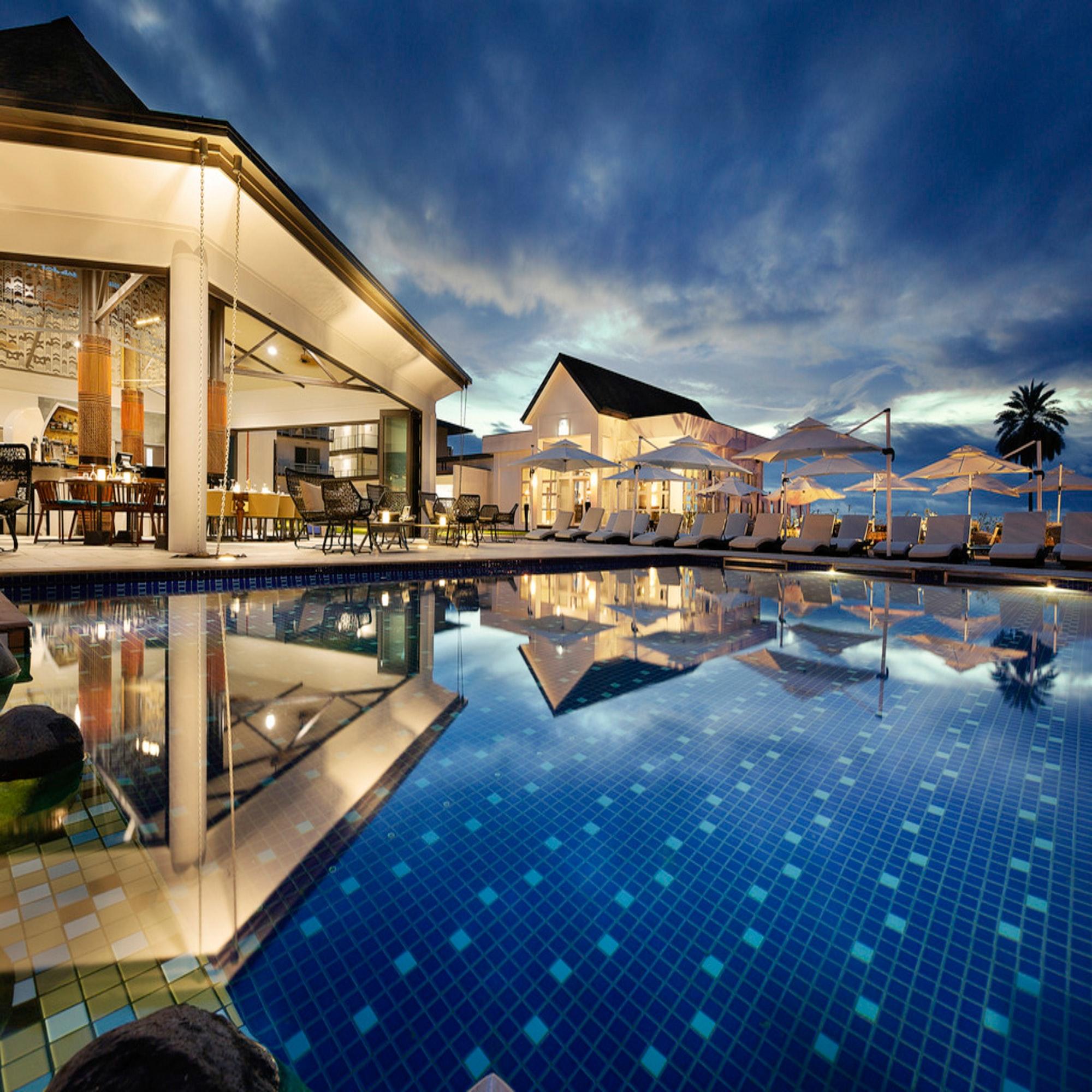 #travel(s) #traveltuesday. #travelblog. #travelblogger. #vacation. #holiday. General: #throwbackthursday. #tbt. #waybackwednesday. #workoutwednesday. #tgif. #friday. Hotel: #hotel(s) #besthotel(s) #luxuryhotel. #boutiquehotel. #luxurytraveller. #pool. Instagram
