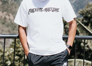 men's white crew-neck t-shirt