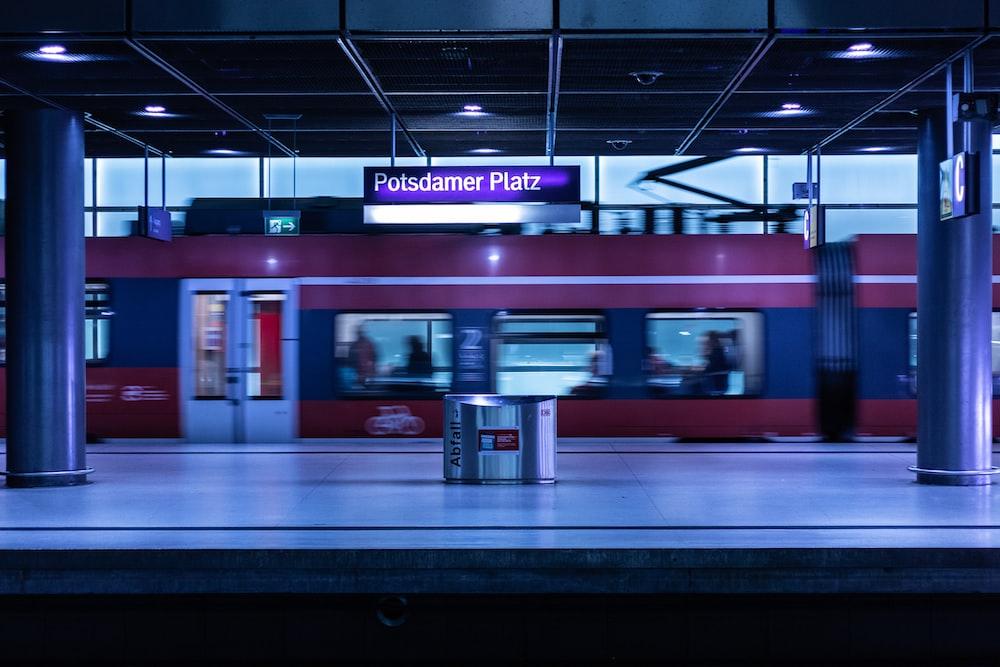 Polsdamer latz station