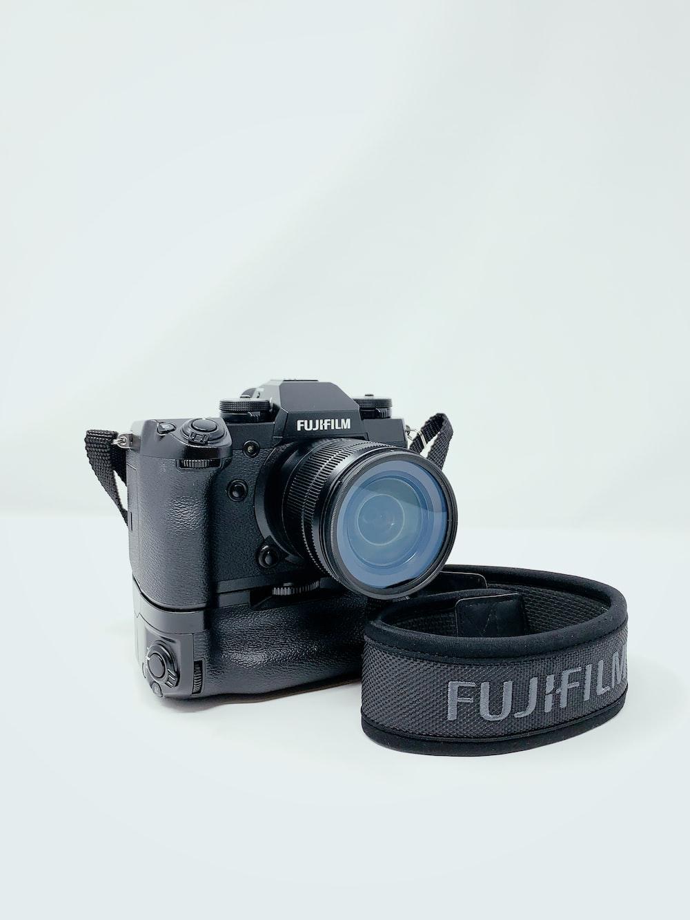lack Fujifilm DSLR camera