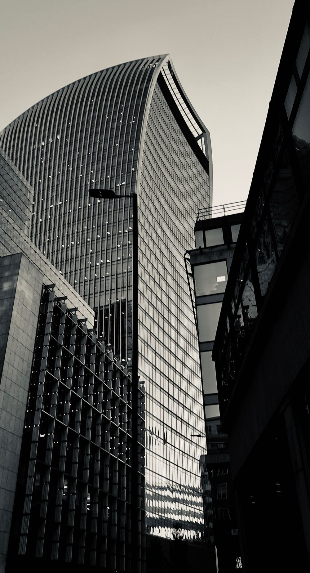 curtain wall high-rise building