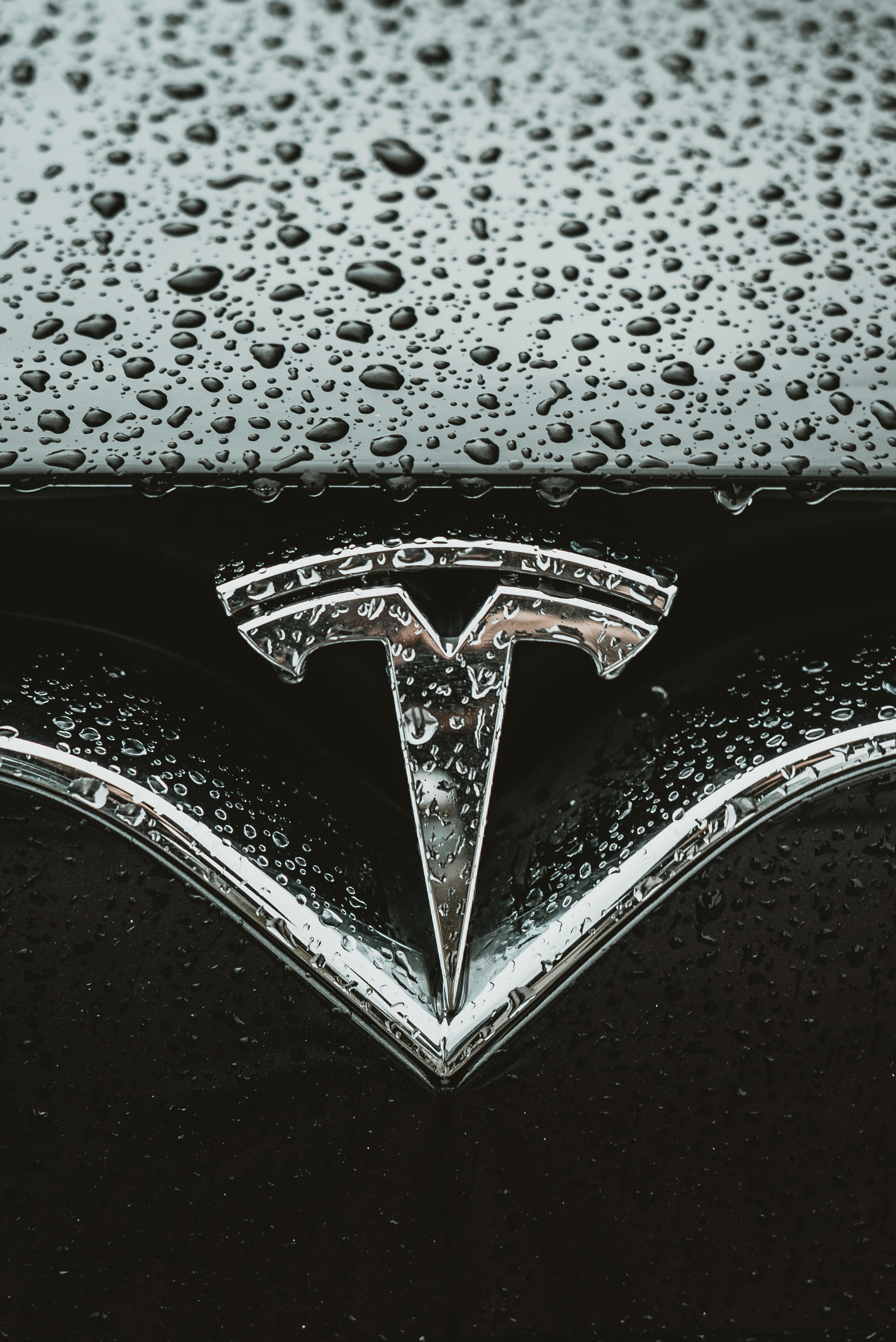 Real Use Case: Auto Manufacturer Tesla To Use Blockchain Technology to Speed Up Shipping Supply Chain