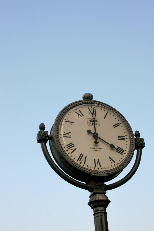 road clock