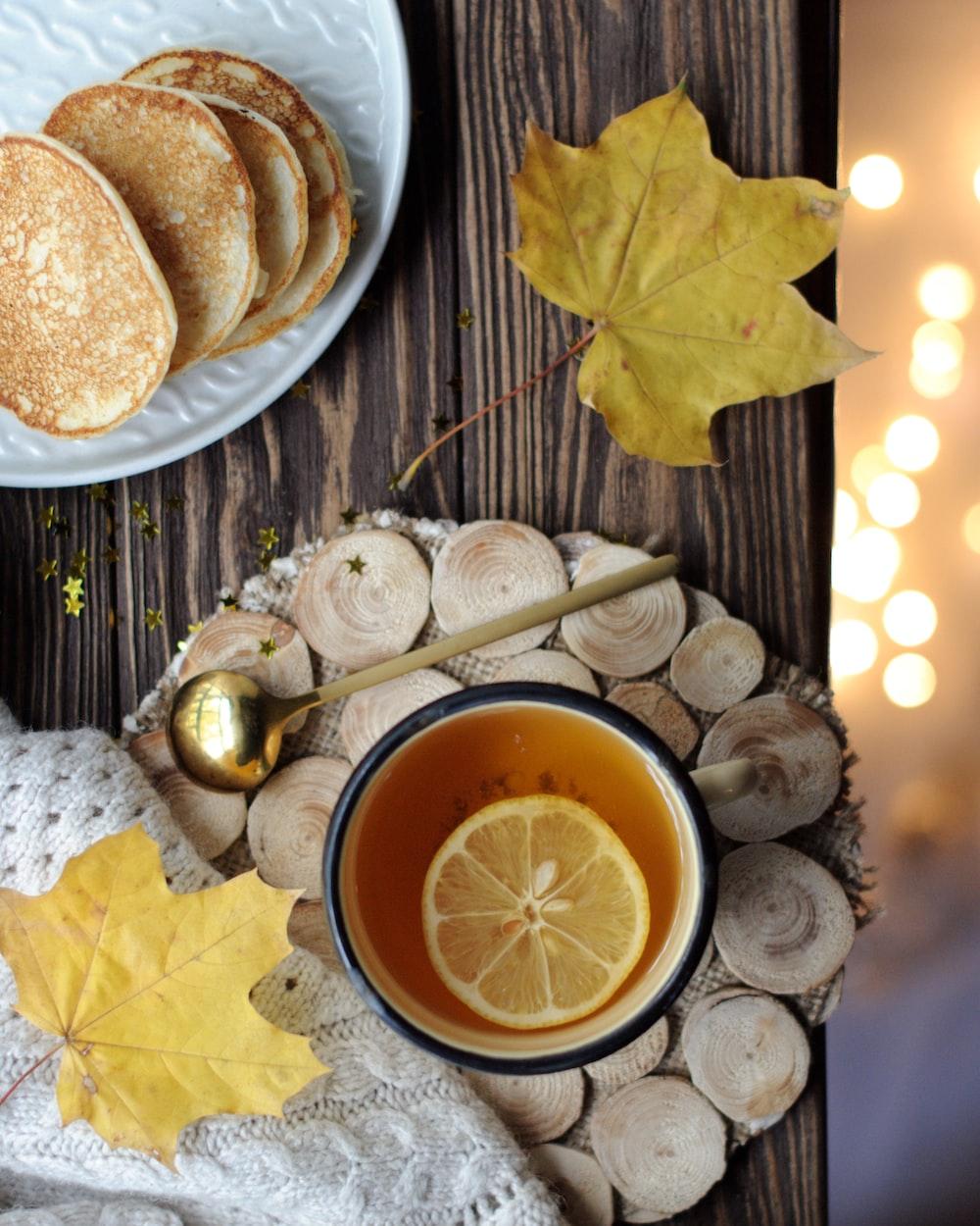 lemon tea in ceramic mug