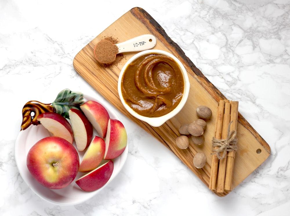 apple beside peanut butter