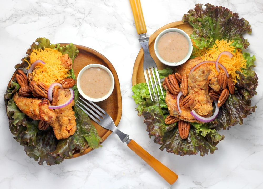 fried chicken with lettuce