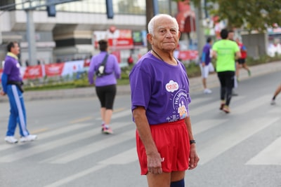 Alder og løbetider: Sammenlign med aldersgraduerede løbetider