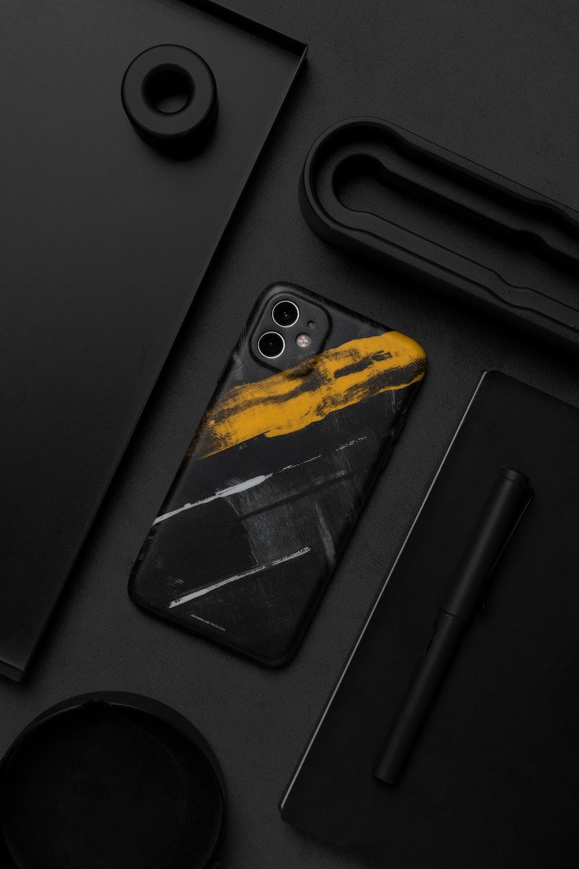 black iPhone 11