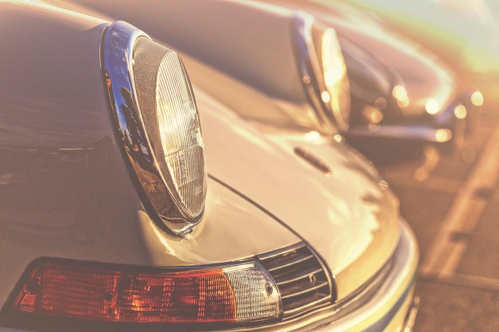 close-up photography of car headlight