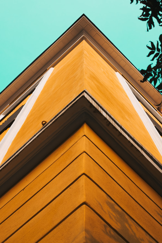 brown concrete corner of building