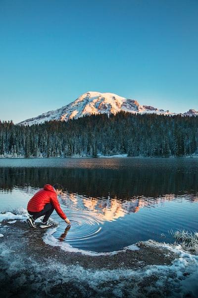 The Big Trip | Reflection Lakes in Mount Rainier National Park - Explore more at explorehuper.com/the-big-trip