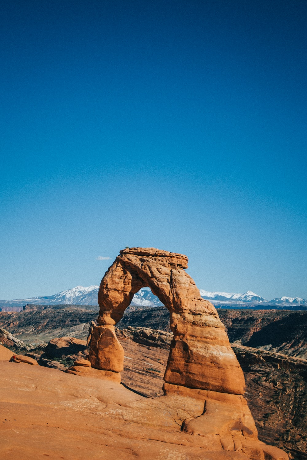 brown stone arch