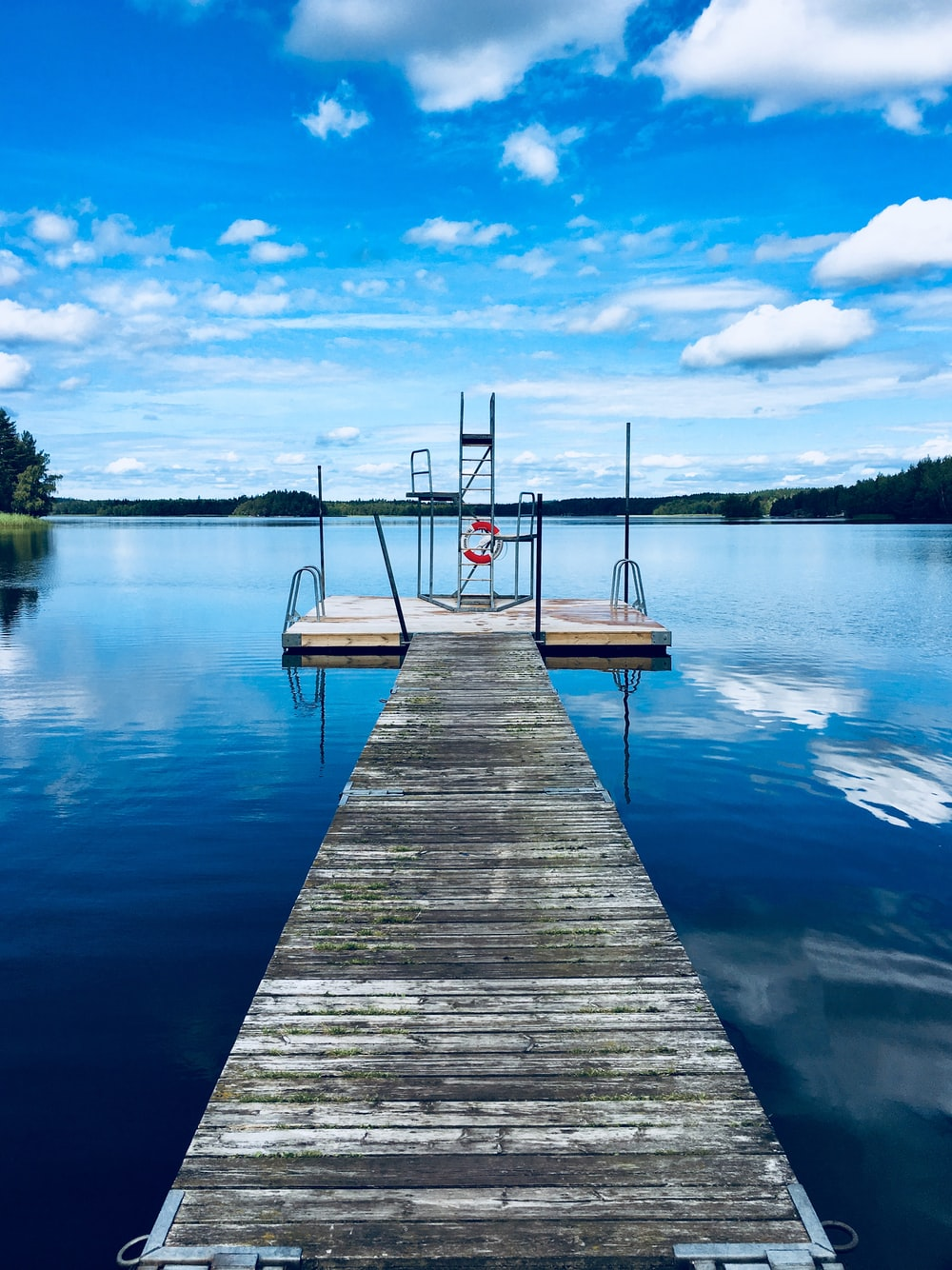 gray and white wooden dock