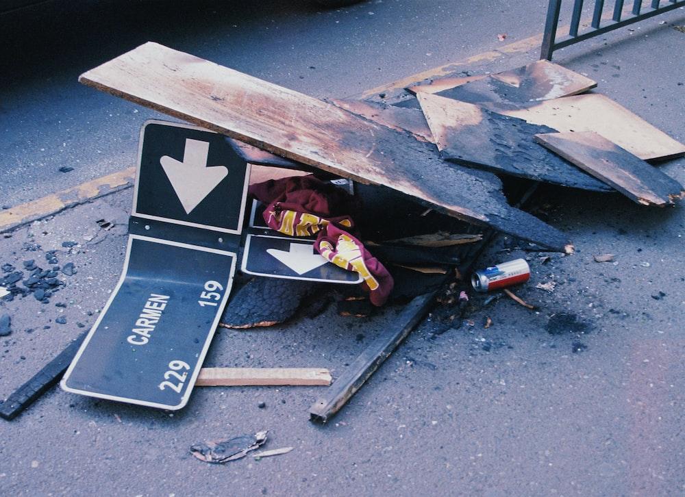 carmen signage on floor