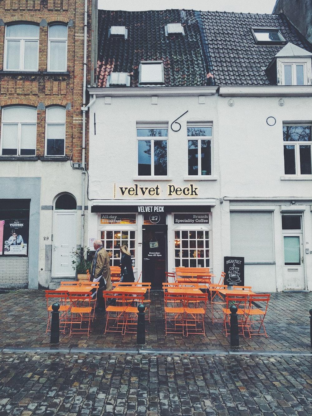Velvet Peek establishment
