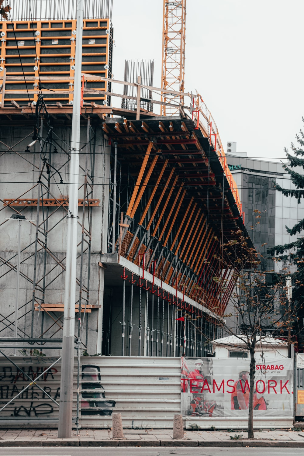 gray and yellow scaffolding