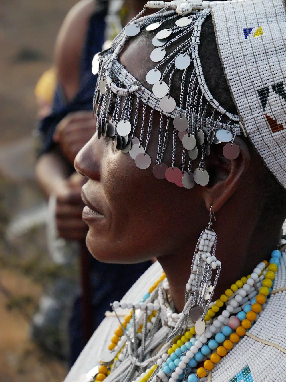 women's silver-colored headdress
