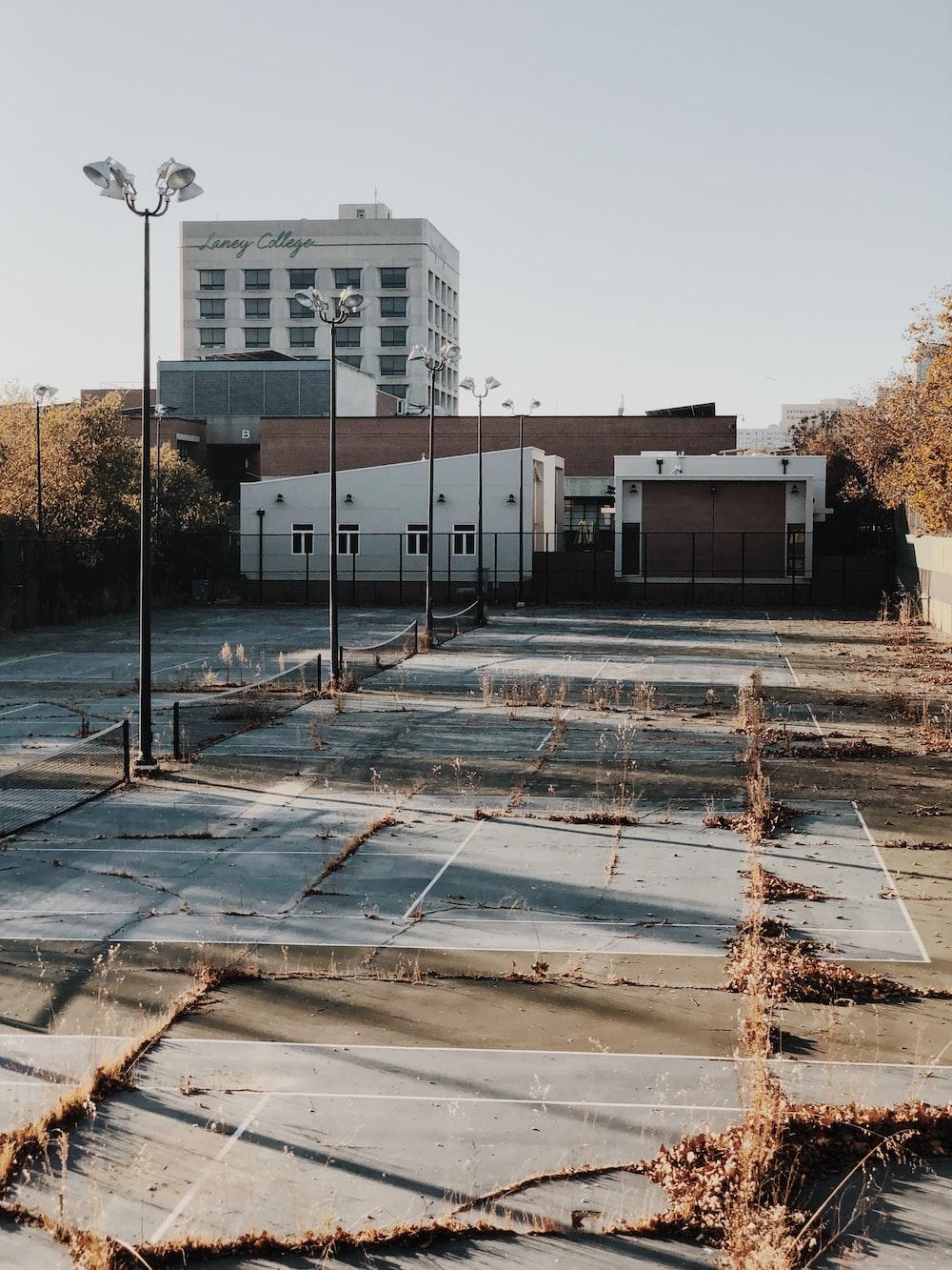 tennis court during daytime