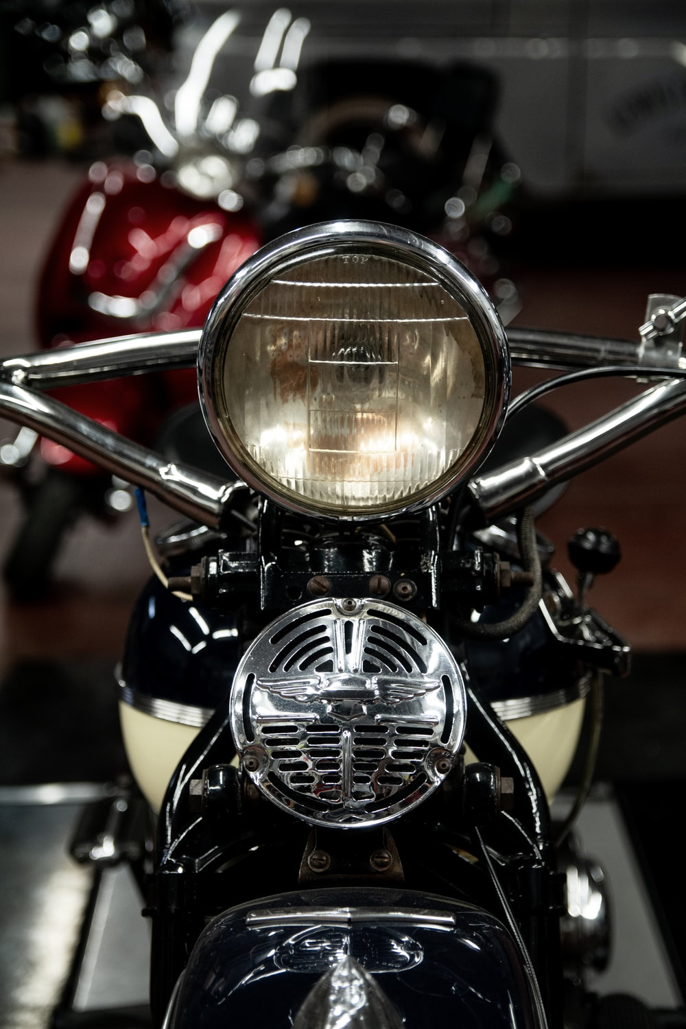 black and white cruiser motorcycle